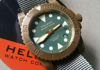 [RESERVED] Helson Sharkdiver 40 Brass Green w date