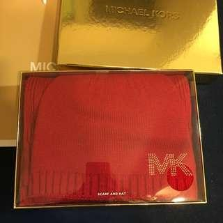 Michael kors 紅色圍巾和毛帽組合 red scarf and hat set MK logo knitted