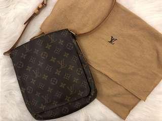 LV小方包側背包