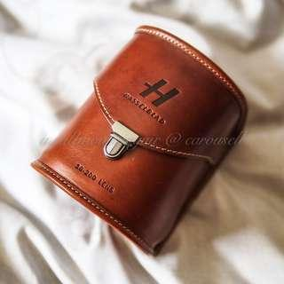 🚚 Mint Hasselblad Congac Leather Lens Pouch