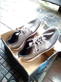 Sepatu running Skechers uk 41