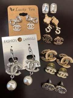 Earrings. 韓國耳環