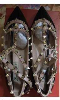 Valentino style shoe