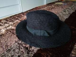 Bess black wool hat