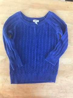 Knitted blue top