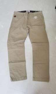 Aape pants regular cut 卡奇色 長褲