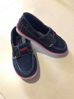 🚚 Tommy Hilfiger Boys Girls Covered Shoes