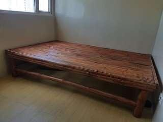 Bamboo bed frame (75x51in)