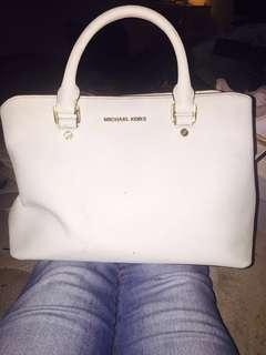 Michael Kors purse (Price is negotiable)
