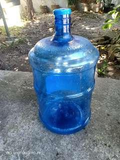 5 gallons round water container (used)