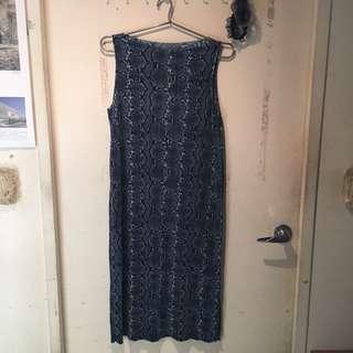 🚚 H&M 蛇紋 洋裝 連身裙