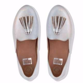 (Brand New In Box) Fitflop Women's Superskate Tassel Leather Loafers in Silver - UK 4