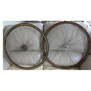 Tubular wheels: Campagnolo Hubs, FIR rims