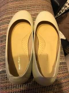 Hush puppy leather shoes (size 8)