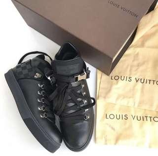 Louis Vuitton High top black