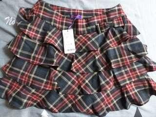 全新荷葉格紋褲裙~