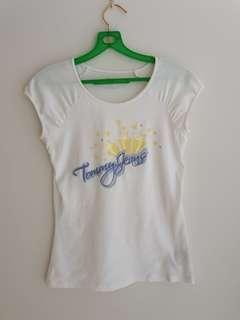 🚚 Tommy Jeans Graphic Tee
