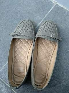 Preloved flatshoes matahari loafers