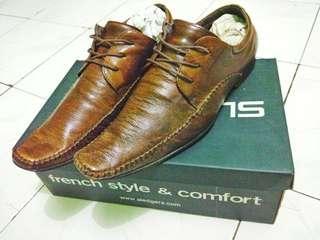 Sepatu kulit pria Sledger