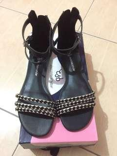 Flat Sandals (Chocolate Schubar)