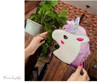 🚚 Unicorn Messenger Bag