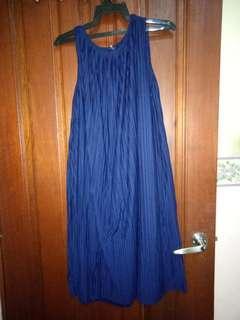 Uniqlo pleated midi dress