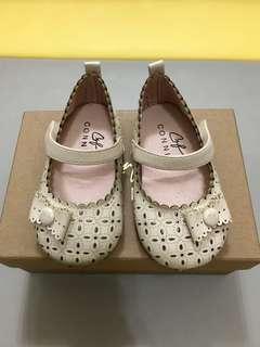 🚚 Connife 女童娃娃鞋 米白色 內長13公分 童鞋