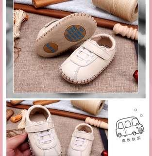 🚚 Beige Leather shoes 9-12mths