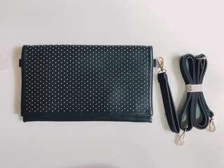 🚚 Black Sling Bag/Clutch