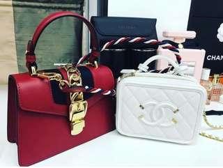 🚚 Chanel vanity small