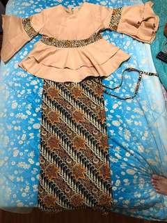 satu set batik dan kain batik