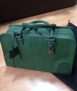 FAST DEAL - Loewe Amazona in Forest Green