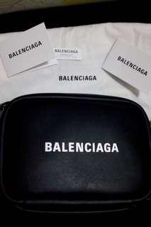 最低價 7折買新袋 Balenciaga everyday camera bag s(新logo)