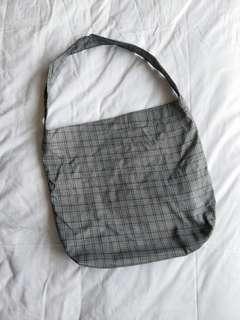 🚚 bnwot grey plaid tote/ sling bag