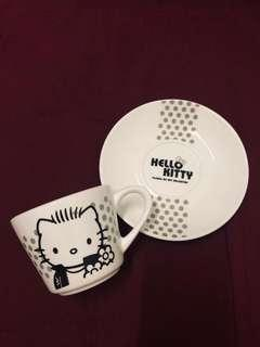 Limited Edition 85c Cafe Hello Kitty Daniel Valentine's Day Coffee Cup Set