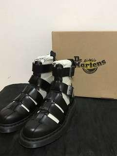 🚚 Dr.Martens黑色牛皮涼鞋式高筒馬丁