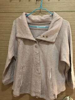 全新, 無著過, 日本牌子Merveille H.粉紫色外套, 兩側有袋, 胸大約38吋及肚大約40吋, 衫長大約20吋, 質地:100% cotton
