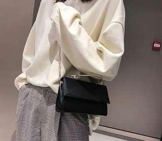 Pre-order 复古小包包女2019新款潮时尚简约手提包个性潮流单肩包斜挎包英倫