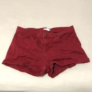 🚚 SALE: h&m red mid waisted shorts