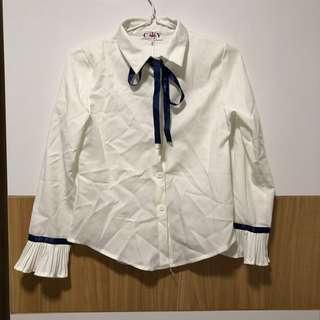 🚚 SALE: blue ribbon button up white blouse