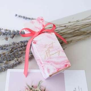 🚚 Modern Printed Design Standing Gift Box - Pink Marble