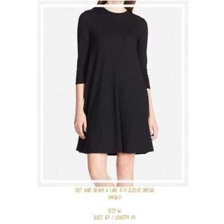 Cut and sewn a line 3/4 sleeve dress