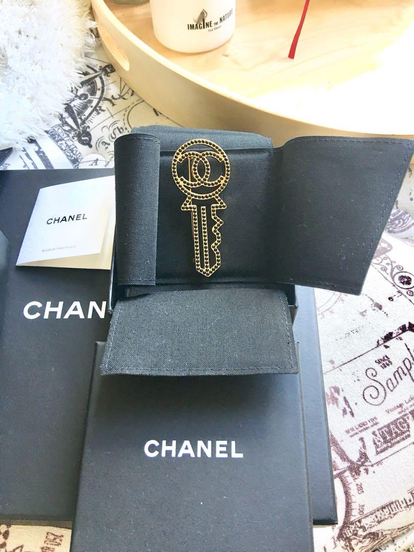 Chanel CC Brooch key design with black crystals