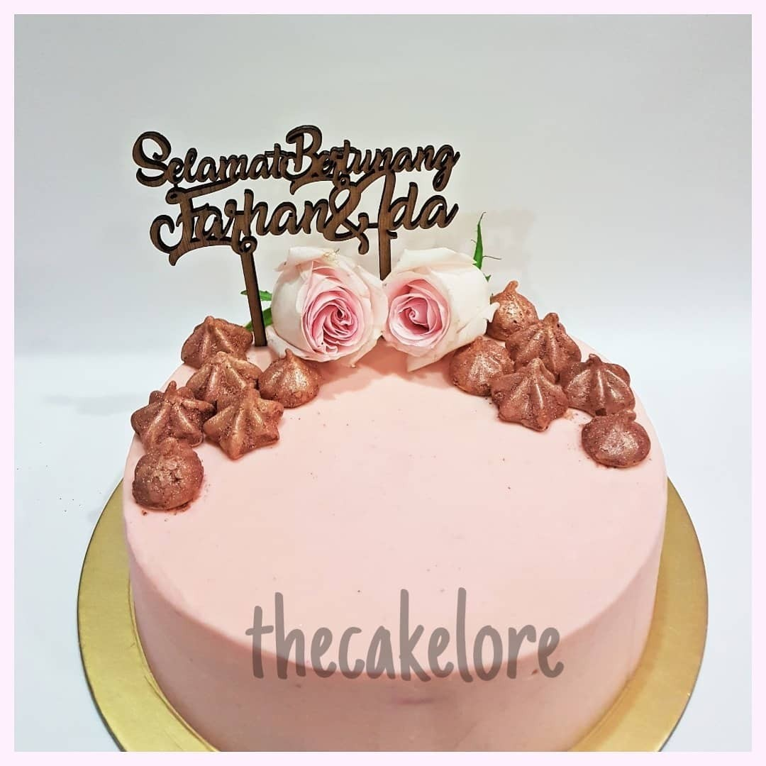 Customised Cakes Food Drinks Baked Goods On Carousell