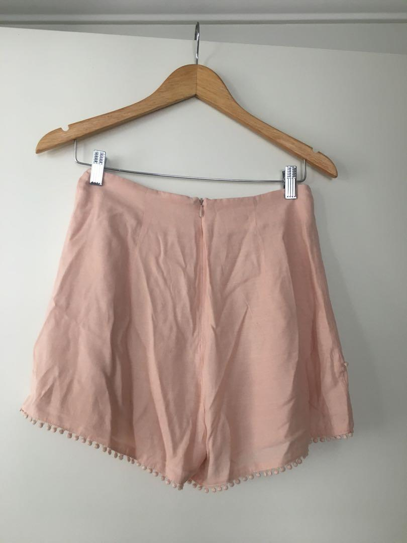 $10 SALE Finders Keepers high waist boho shorts - Sz S