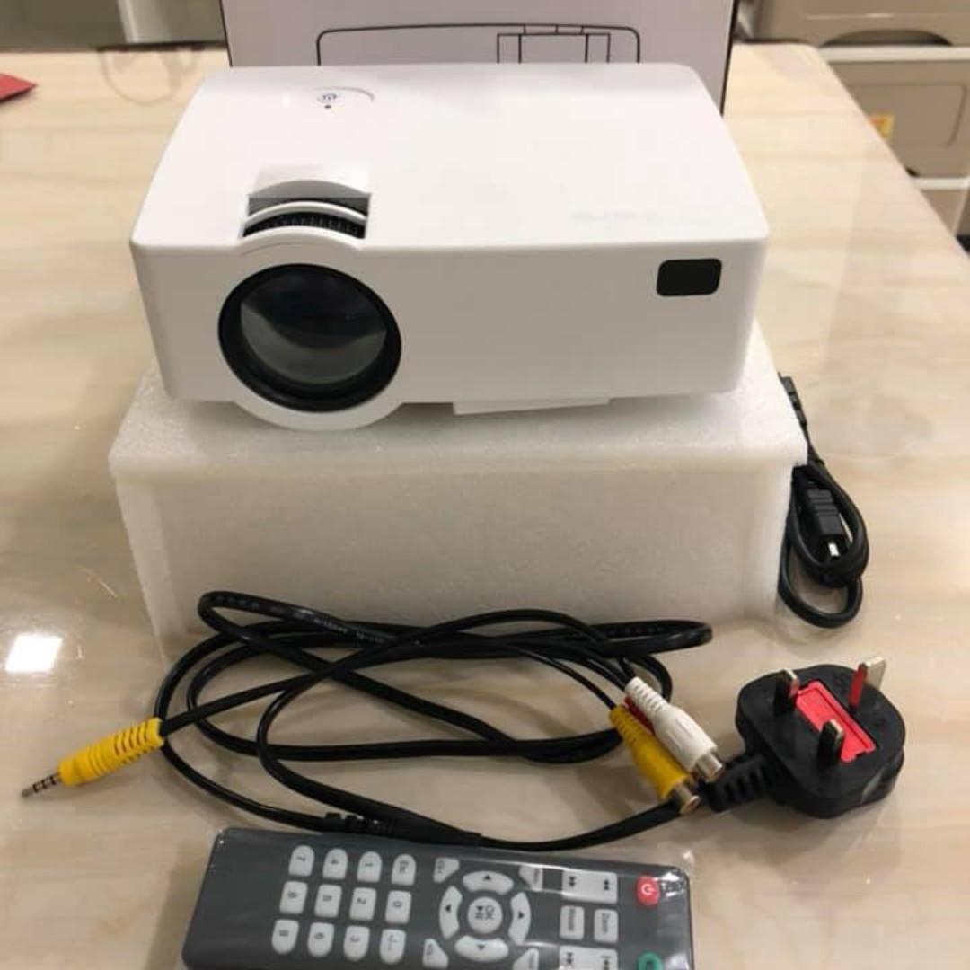 Joyhero 2500 Lumens Mini Portable E08 LED Home Projector