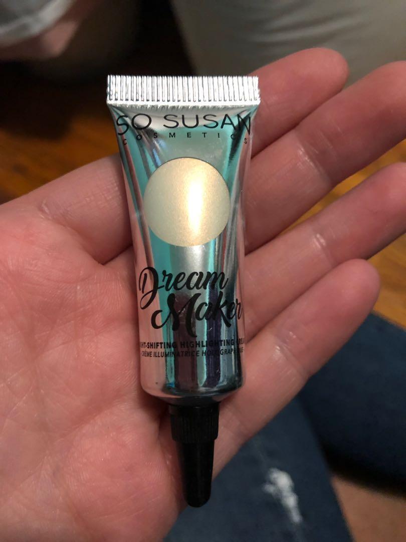 So Susan dream maker light-shifting highlighter cream