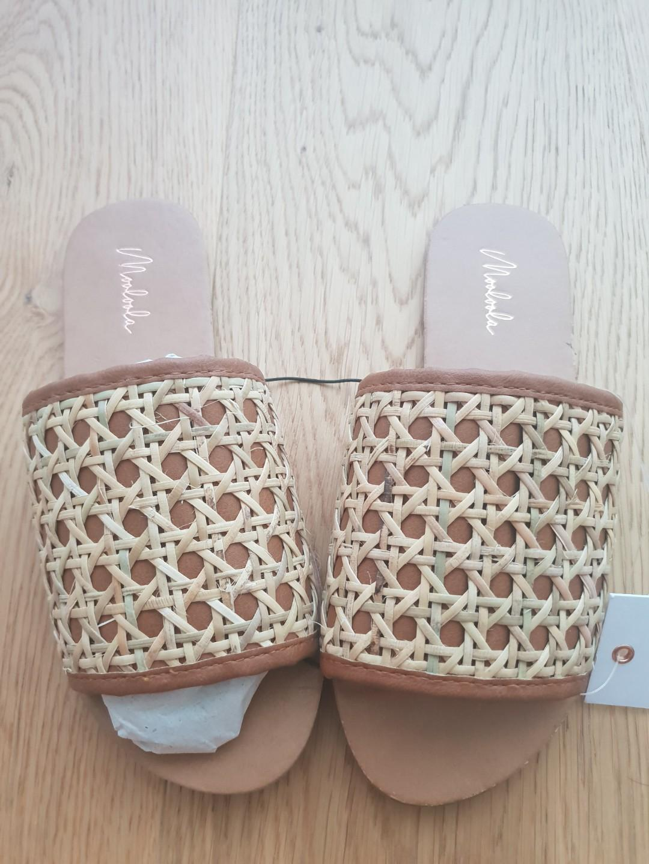Summer sandals sz 36