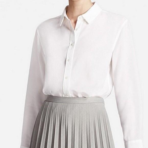 7fe9b540 Uniqlo white rayon button down shirt, Women's Fashion, Clothes, Tops ...