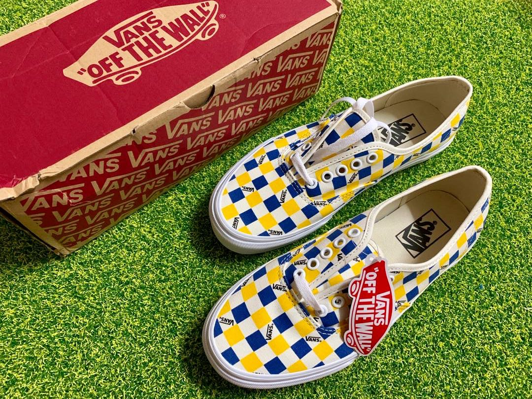 1490749a9d Vans Factory Pack Classic Authentic Trainer in Yellow BMX